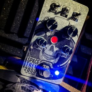 Space Trem 2000 - Super Versatile Trem and boost pedal from Five Cats Pedals